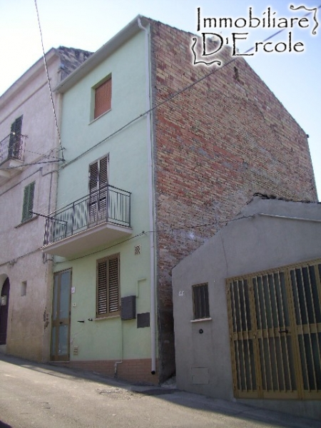 rif 443 – Scerni – Casa abitabile al centro storico – € 50000