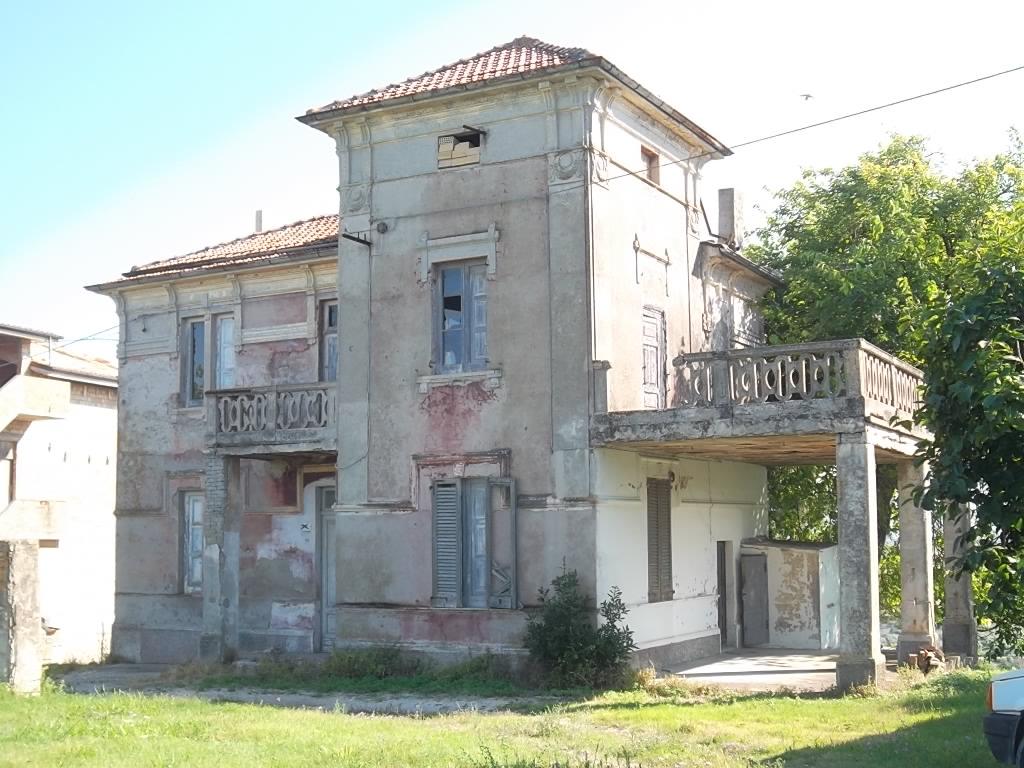 Rif 798 scerni villino stile liberty for Casa in stile vittoriano in vendita