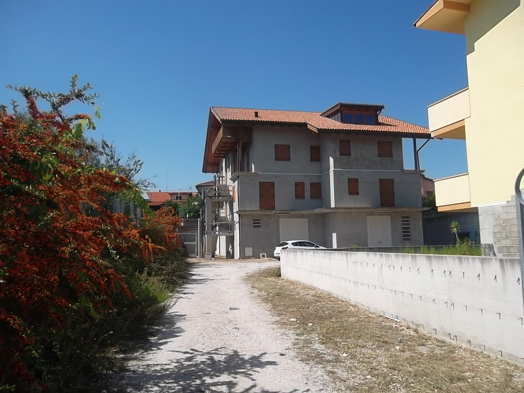 rif 807 Casalbordino – Villa da rifinire – Prezzo strepitoso – € 180000