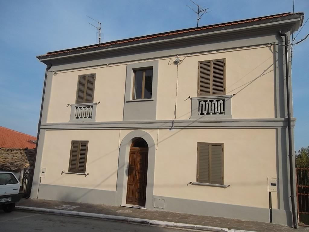 rif 720 Villalfonsina (CH) – Casa in centro paese adatta a B&B –