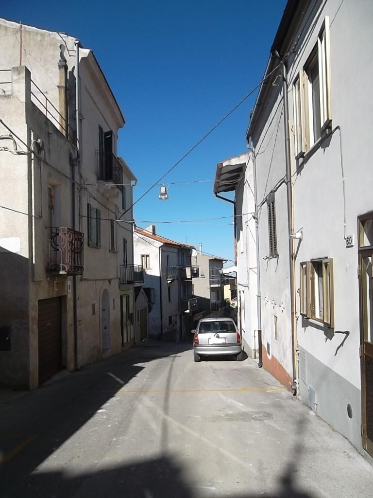 rif 879 – Scerni – Casetta in centro storico con terrazza panoramica –