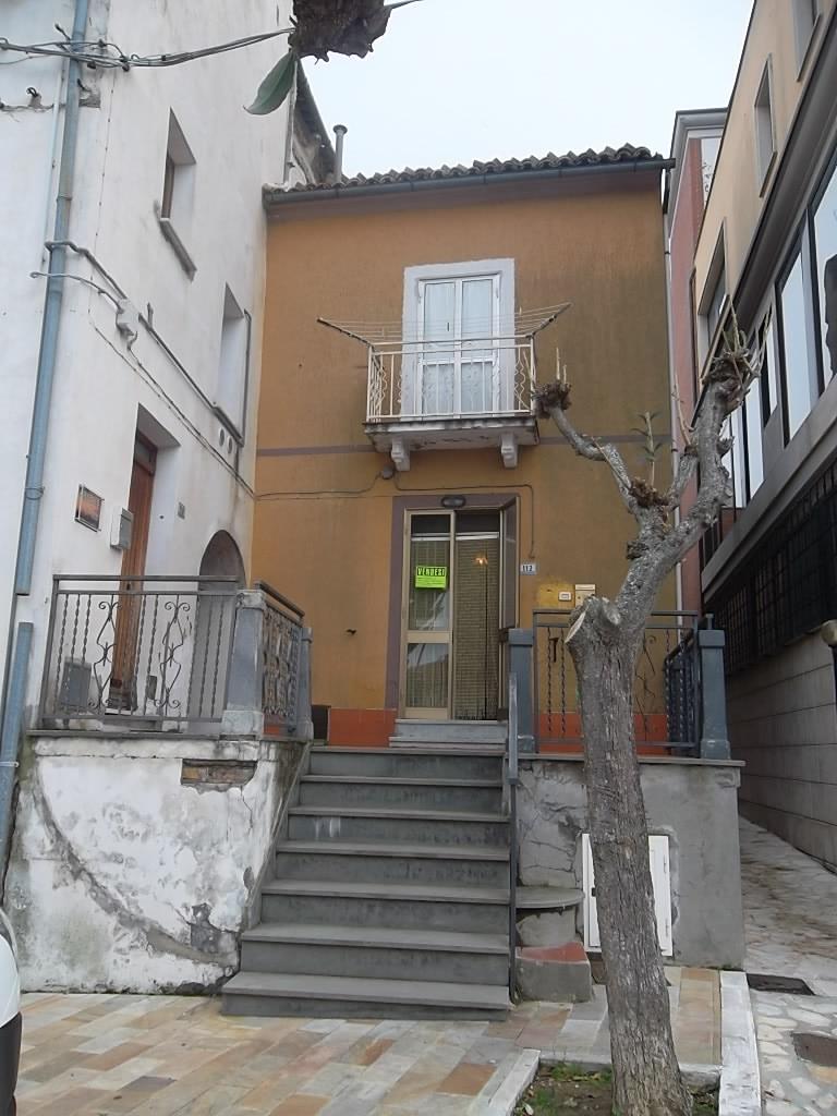 rif 968 – Gissi – Casa di paese – € 28000