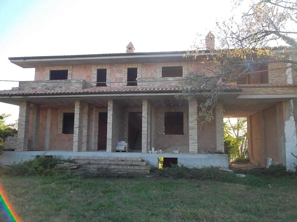 rif 962 – Scerni – Villa bifamiliare in vendita o permuta con immobile a Vasto –