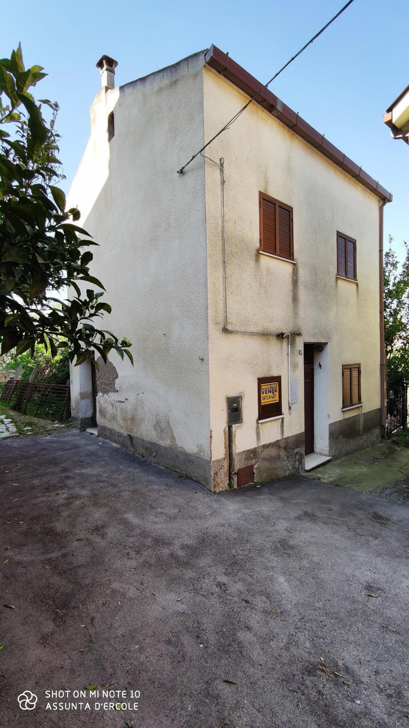 rif 1020 – Villalfonsina – Casetta di paese – € 30000