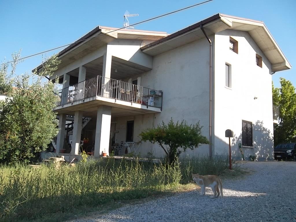 rif 1009 – Scerni (CH) – Villa bifamiliare – € 295.000