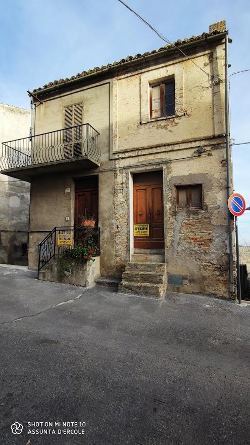 rif 1004 – Scerni – Casetta al centro storico – € 30000