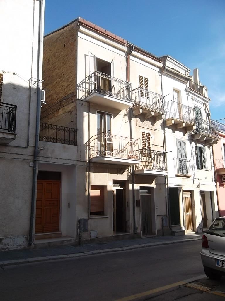 rif 1040 – Scerni – Casa di paese – € 40.000
