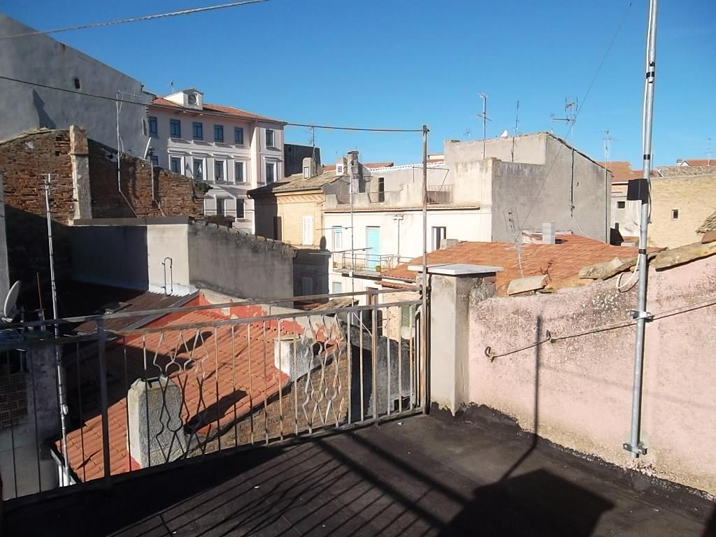 Rif 1052 – Monteodorisio – Casa in centro storico con terrazzo vista mare – € 33000