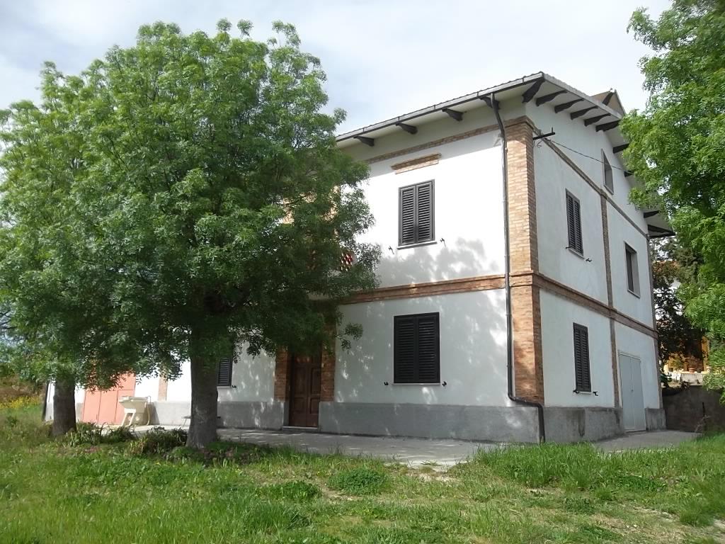 rif 1062 – Scerni (CH) – Casolare e giardino – € 170000