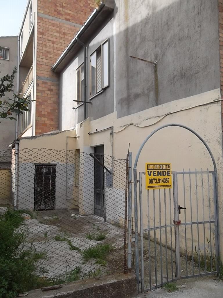 rif 1059 – Cupello (CH) – Abitazione indipendente, piccolo investimento – € 30000