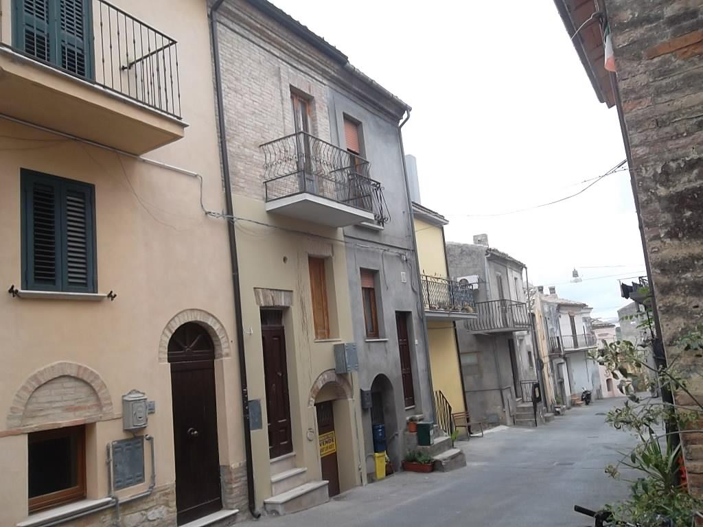 rif 1061 – Scerni – Casa funzionale in centro storico – € 33000