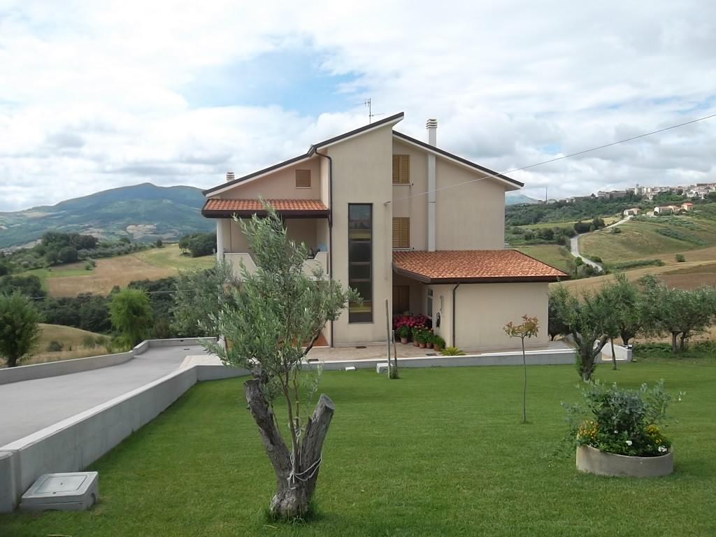 rif 1075 – Casalanguida (CH) – Appartamento in villa – €150000