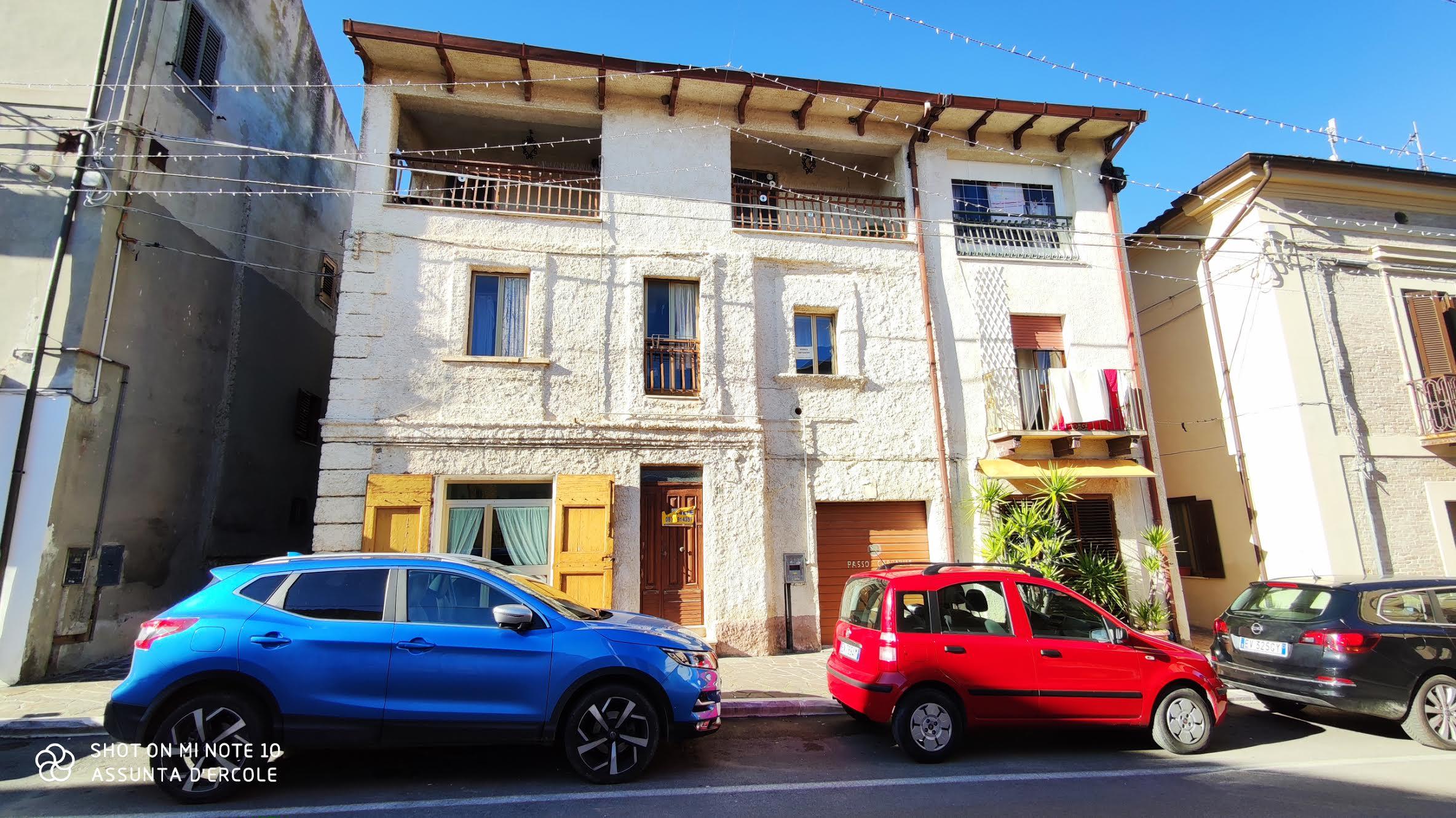 rif 1077 Villalfonsina – Casa in paese con veranda con vista panoramica – € 49000