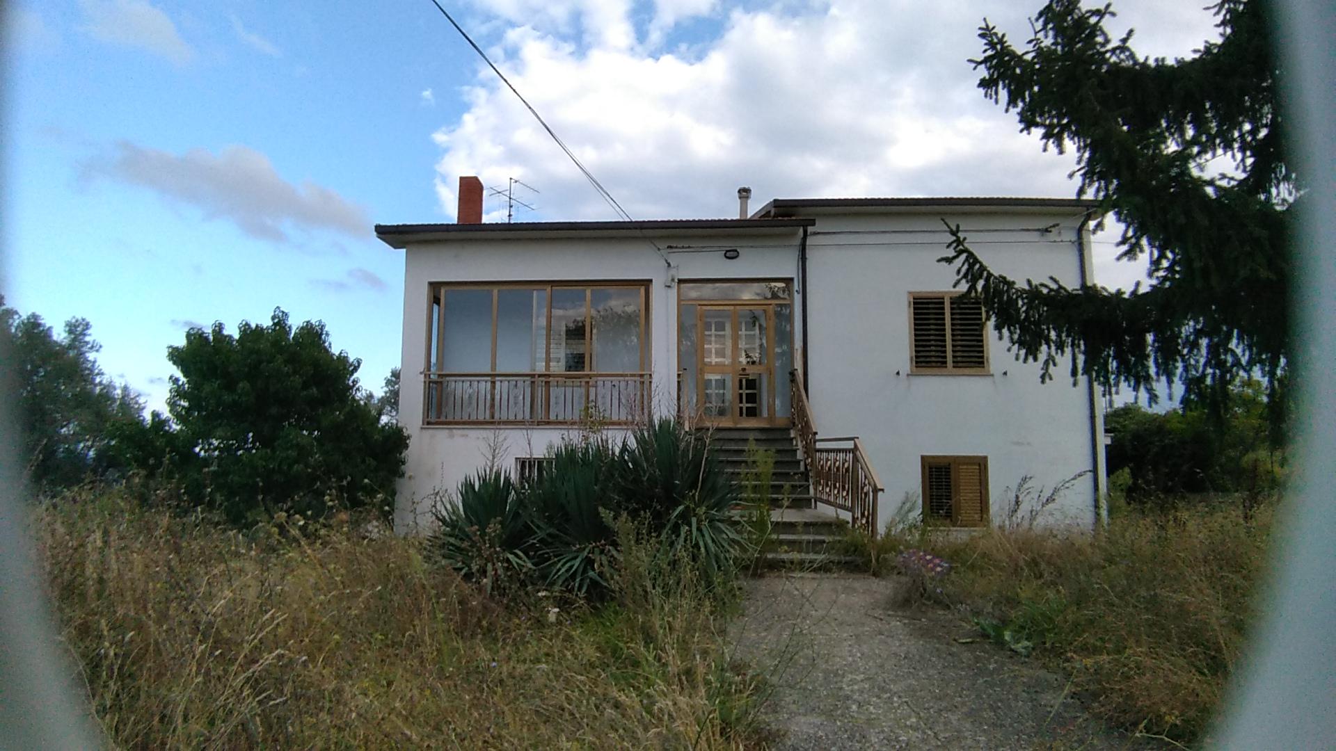rif 959 Pollutri (CH) – Cottage con giardino e vista mare – € 130000