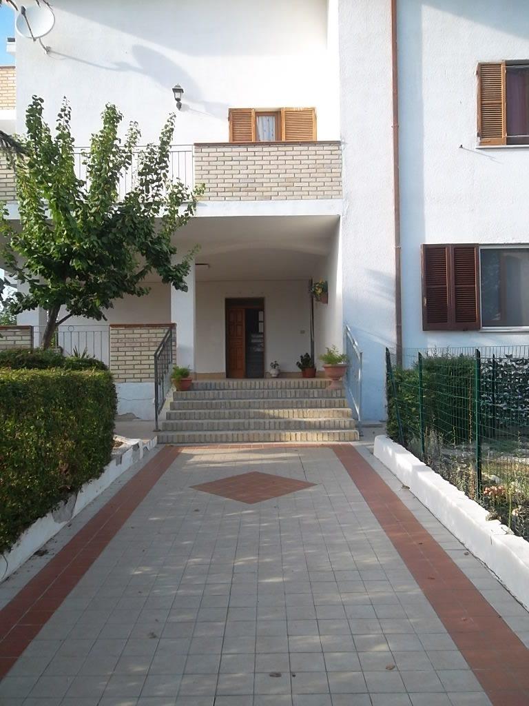rif 1093 Casalbordino (CH) – Appartamento con giardino – € 160.000