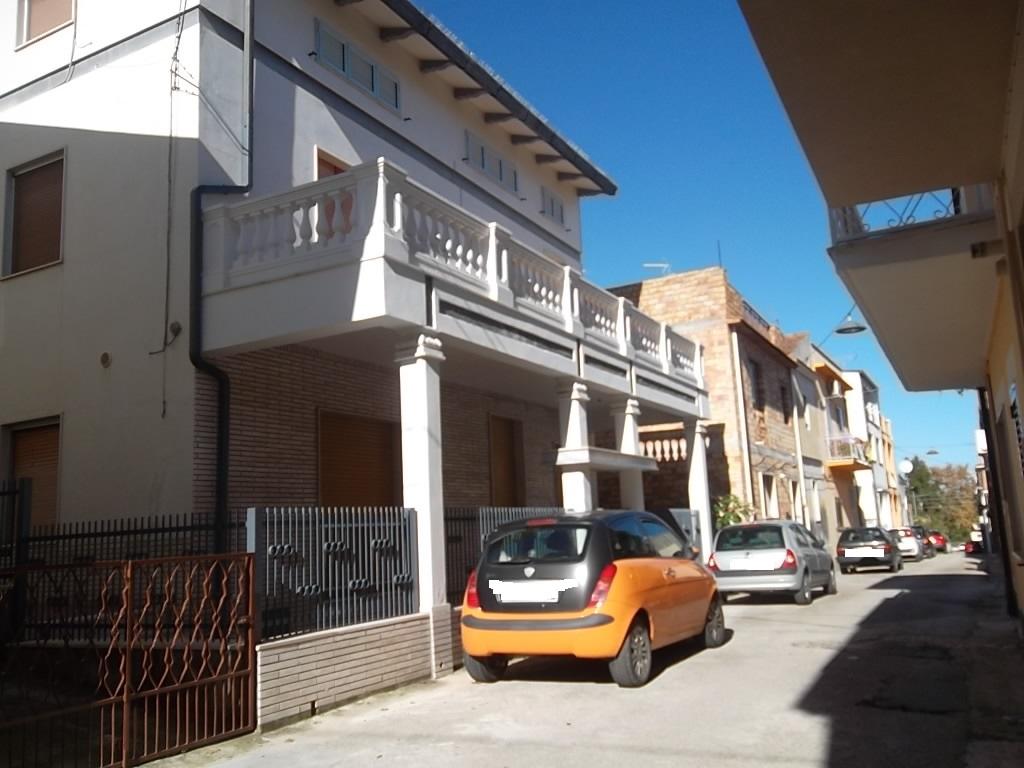 rif 1103 OCCASIONE – Casalbordino (CH) – Appartamento in centro abitabile – € 85000