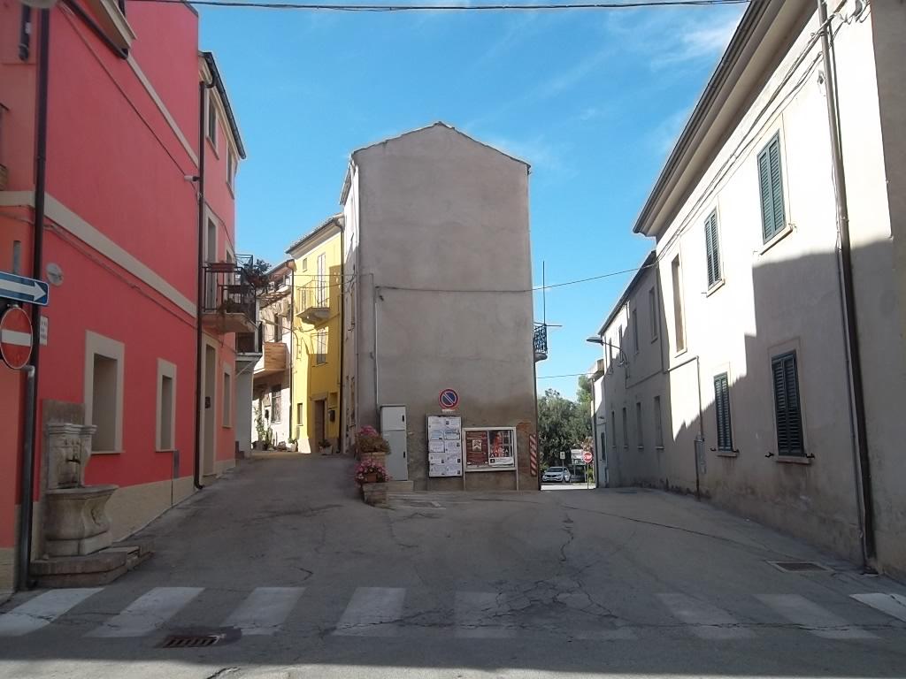 rif 1079 Scerni (CH) – Casa in centro paese – € 20000