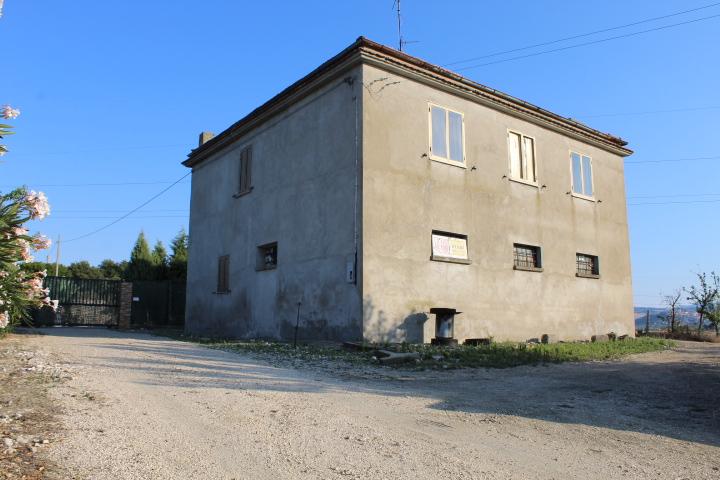 rif 1110 Petacciato – CB – Casolare e terreno con bella vista mare –  € 42.000