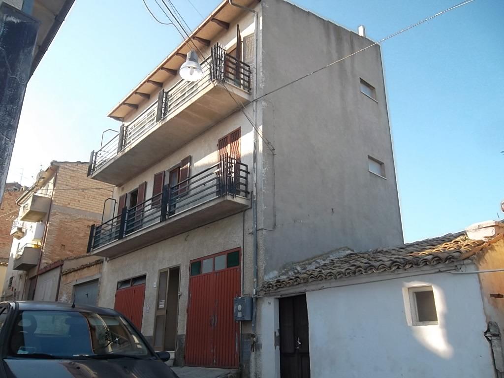 rif 1105 – Scerni – (CH) – Casa centro paese con garage e vista mare –