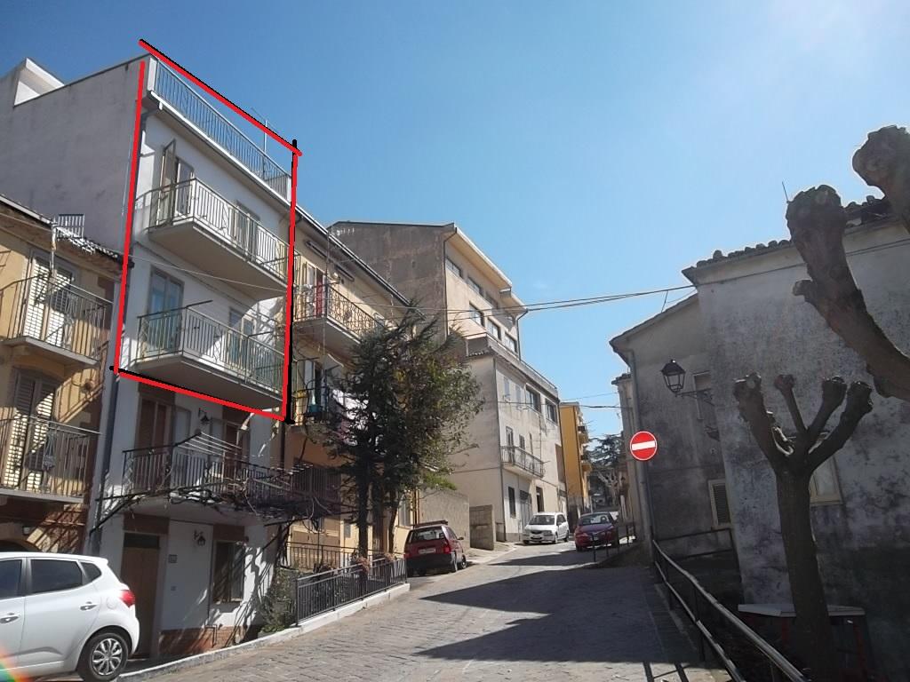 rif 1123 –  Celenza Sul Trigno (CH) – Porzione di casa di paese abitabile con terrazzo panoramico € 42000