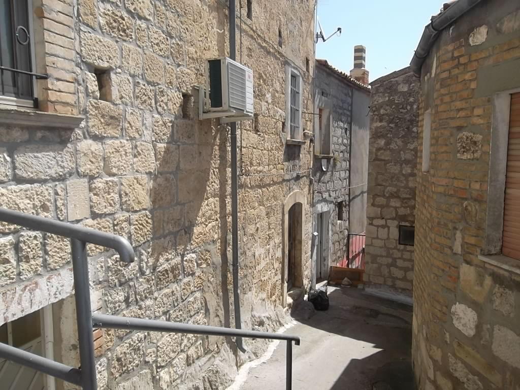 rif 1146 Fresagrandinaria  (CH) – Casa in pietra con dettagli caratteristici e vista mare – € 45000