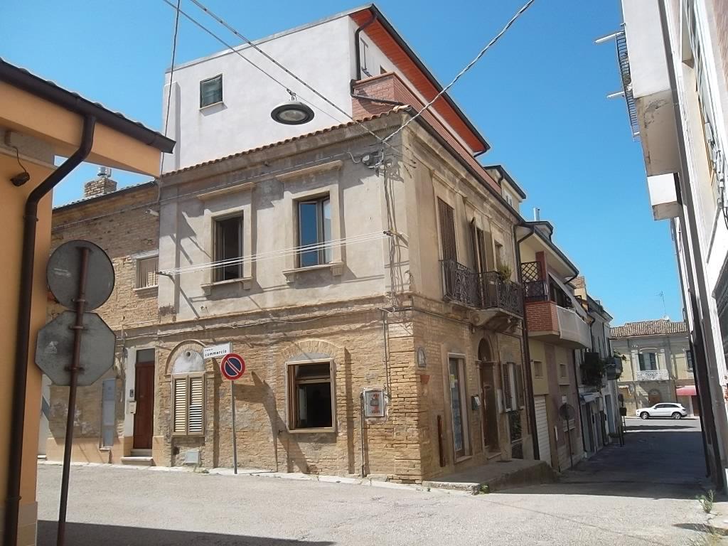 rif 1117 Casalbordino (CH) – Antica abitazione ristrutturata adatta anche a struttura ricettiva – € 80000