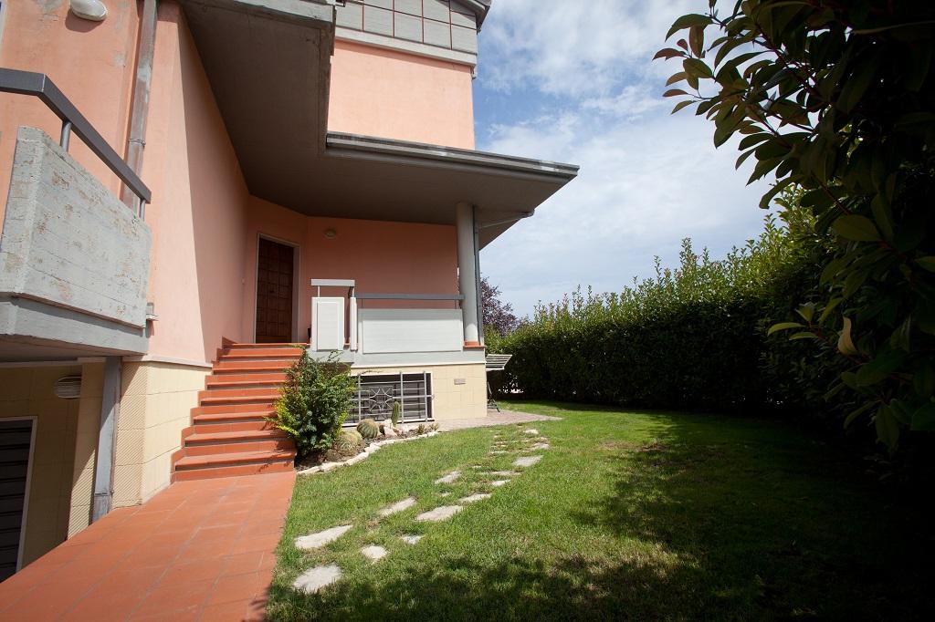 rif 1134 Casalbordino (CH) – Villetta centro paese con splendida vista mare – € 325000