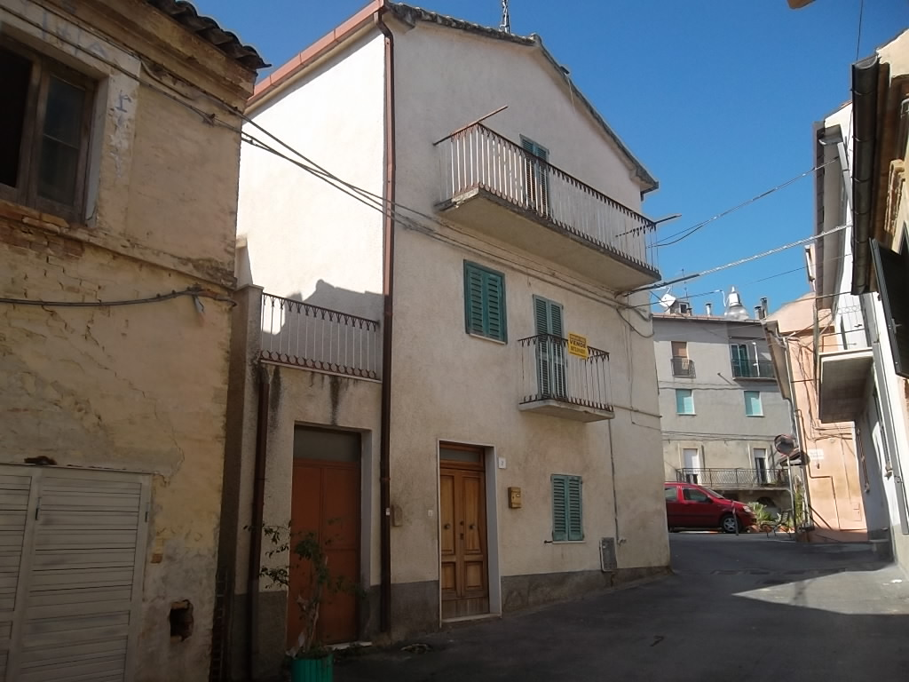 rif 1091 – Scerni – Abitazione in centro storico – € 63.000