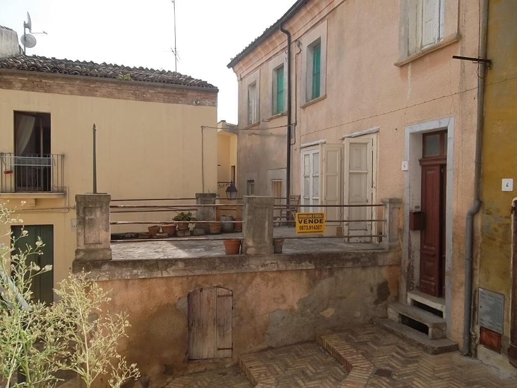 rif 1019 Scerni (CH) – Abitazione al centro storico con terrazzo – € 50.000