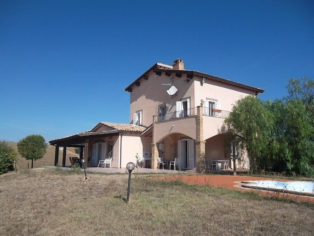 rif 1157 Furci (CH) – Villa Country con piscina –
