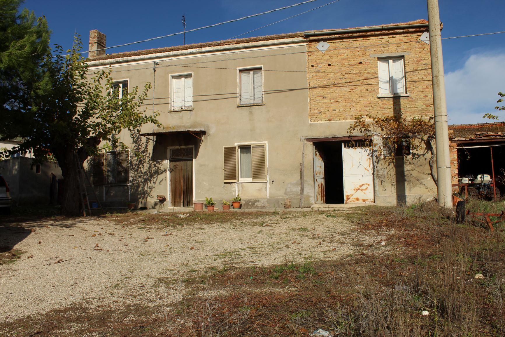 rif 1161 Scerni (CH) – Casolare e terreno – € 95000