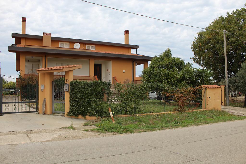 rif 1172 Pollutri (CH) – Villa incantevole in zona residenziale –  € 329.000