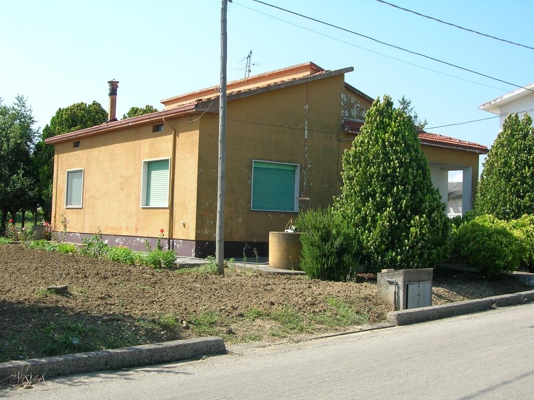 rif 1081 Casalbordino (CH) – Cottage con giardino – € 158.000