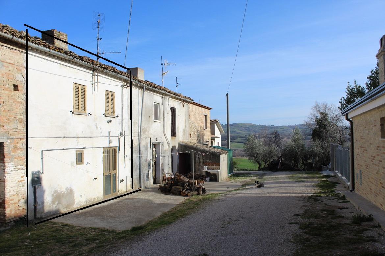 rif 1180 – Scerni (CH) – Abitazione con giardino e terrazzo – Piccolo investimento per le vacanze – € 25.000