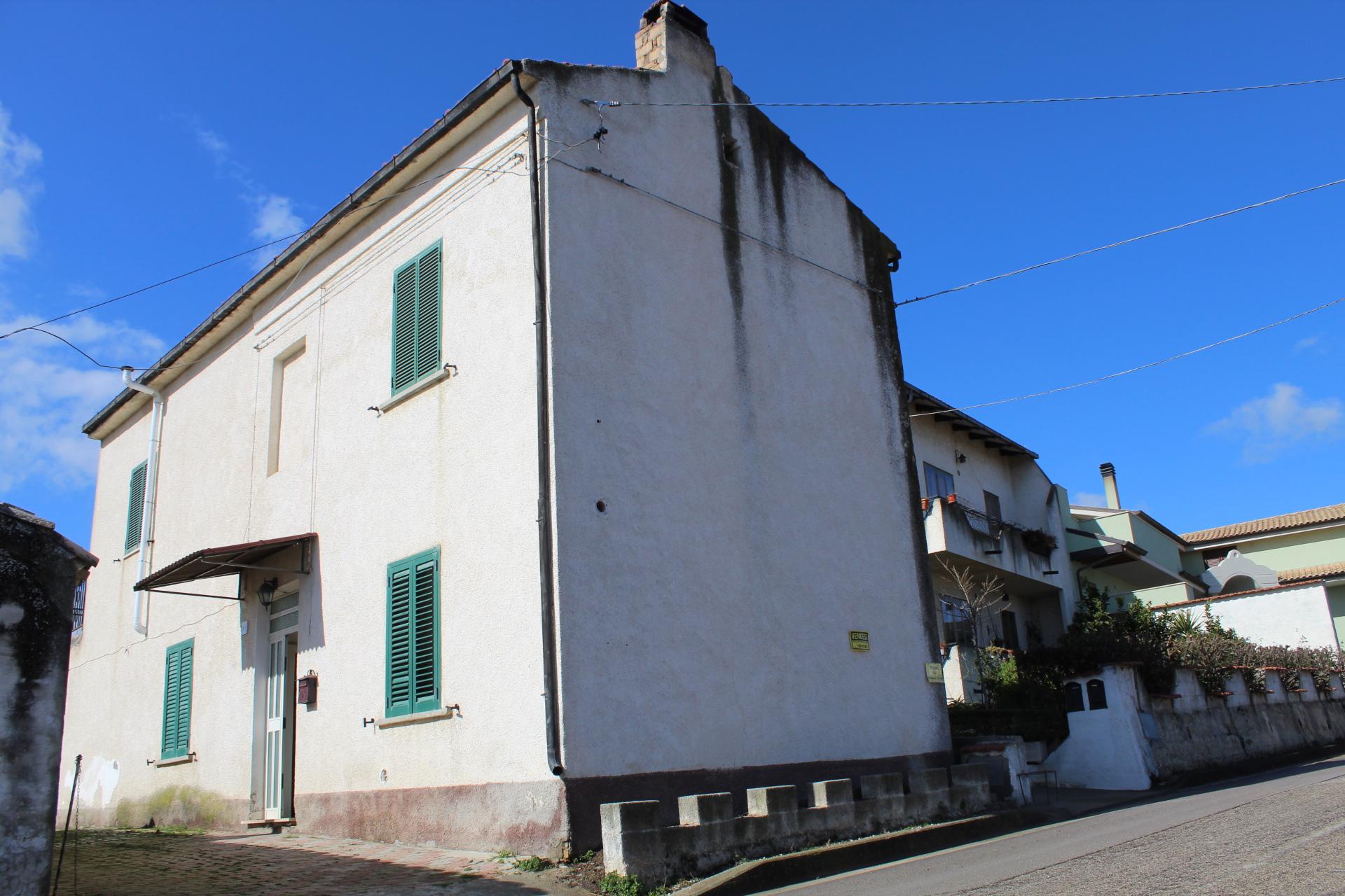 rif 1181 – Scerni (CH) – Abitazione con terrazzo e giardino – € 70.000