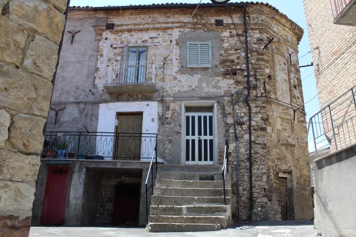 rif 1194 Carpineto Sinello – Casa nel Borgo – € 30000