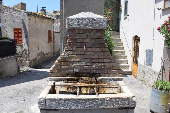 rif 1201 Gissi – Casa di paese con vista panoramica – € 65.000