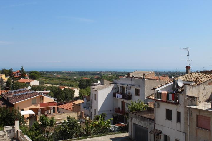 rif 1209 Casalbordino (CH) – Casa in centro paese con balcone vista mare – € 60000