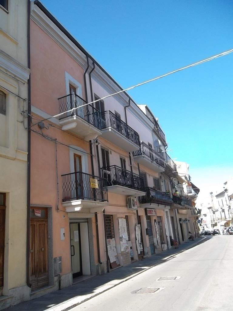 rif 1219 Scerni (CH) – Abitazione centro paese con negozio e garage – € 60000