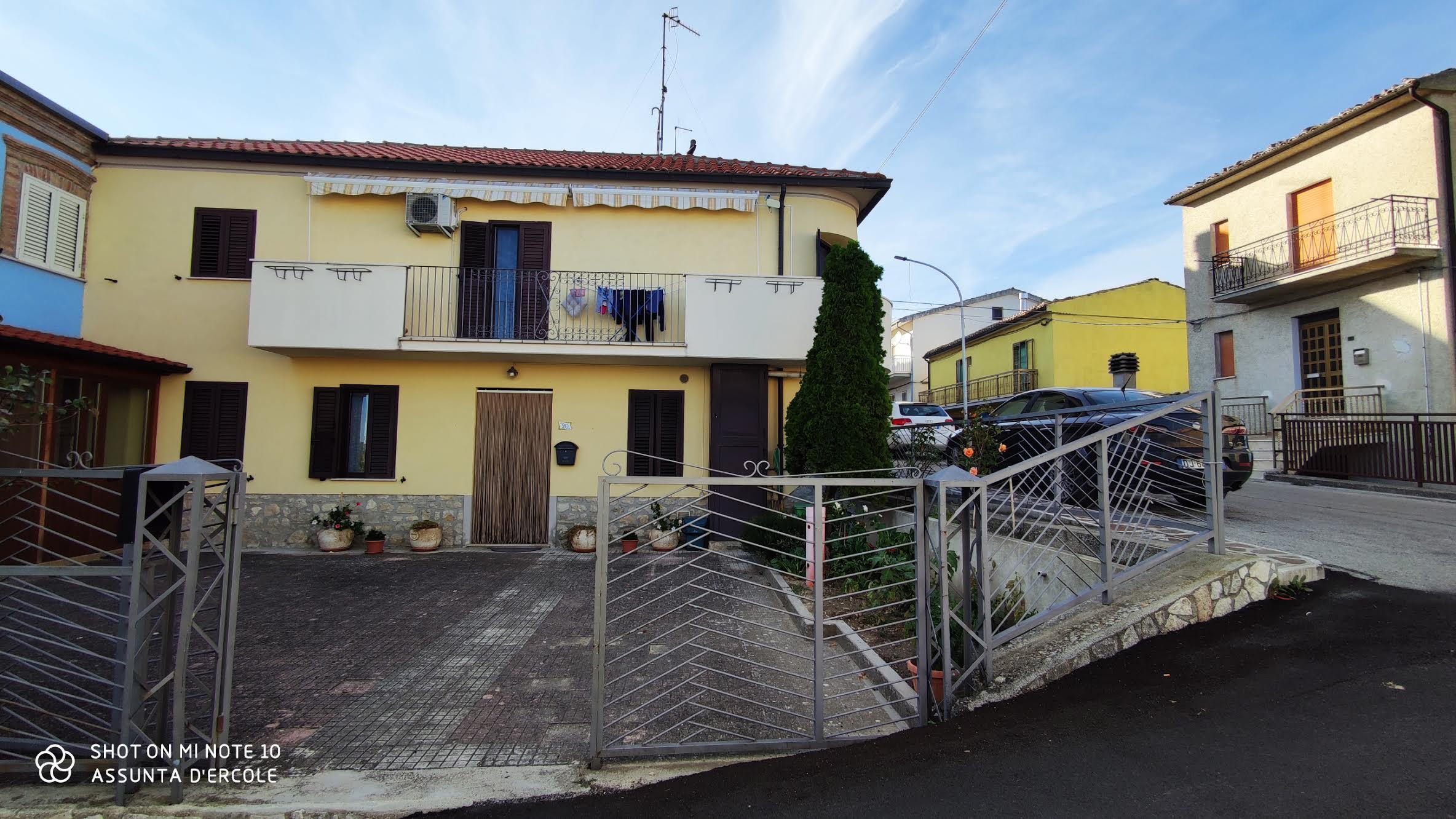 rif 1214 Guilmi (CH) – Casa abitabile con ogni comfort – € 105000