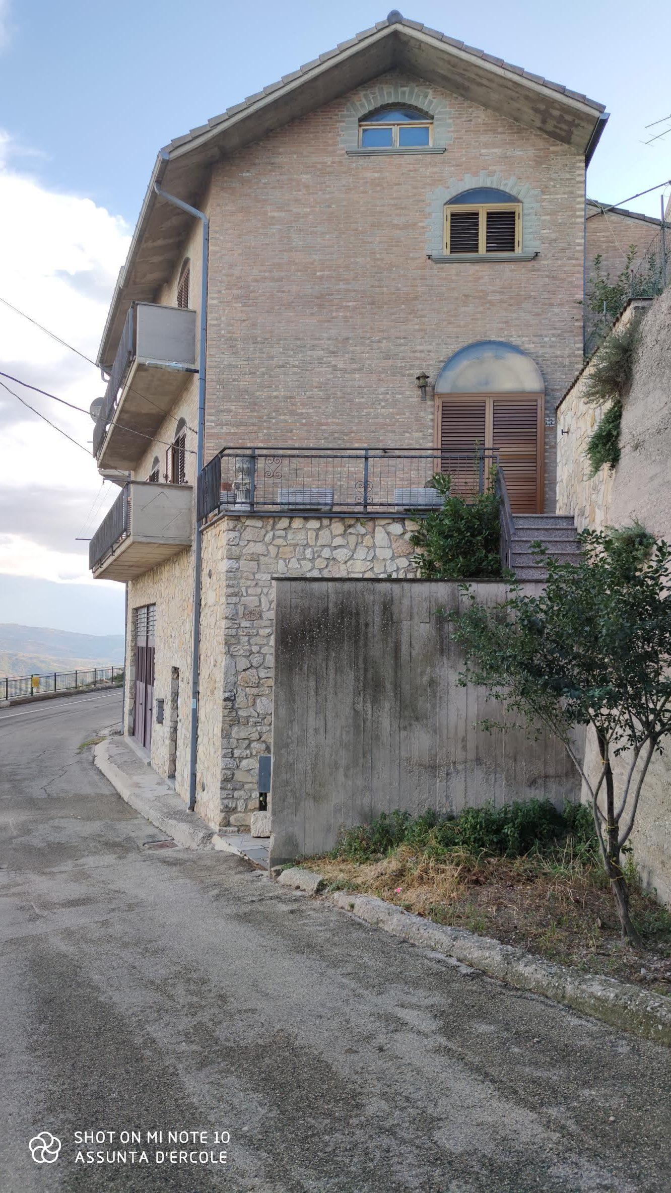 rif 1216 Celenza sul Trigno – abitazione con ogni comfort e vista panoramica € 120000