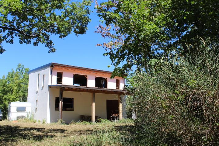 Rif 1206 Carpineto Sinello (CH) – Villa in un'oasi di verde e di serenità – € 90.000