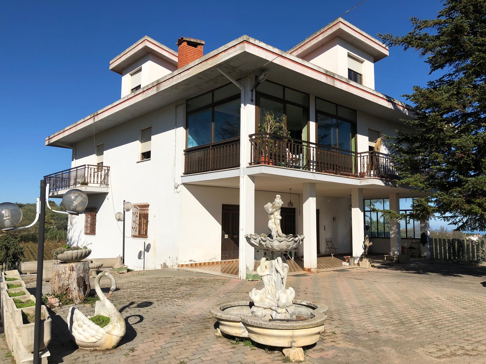 Rif 1107 Casalbordino (CH) – Villa con vista mare – € 250000