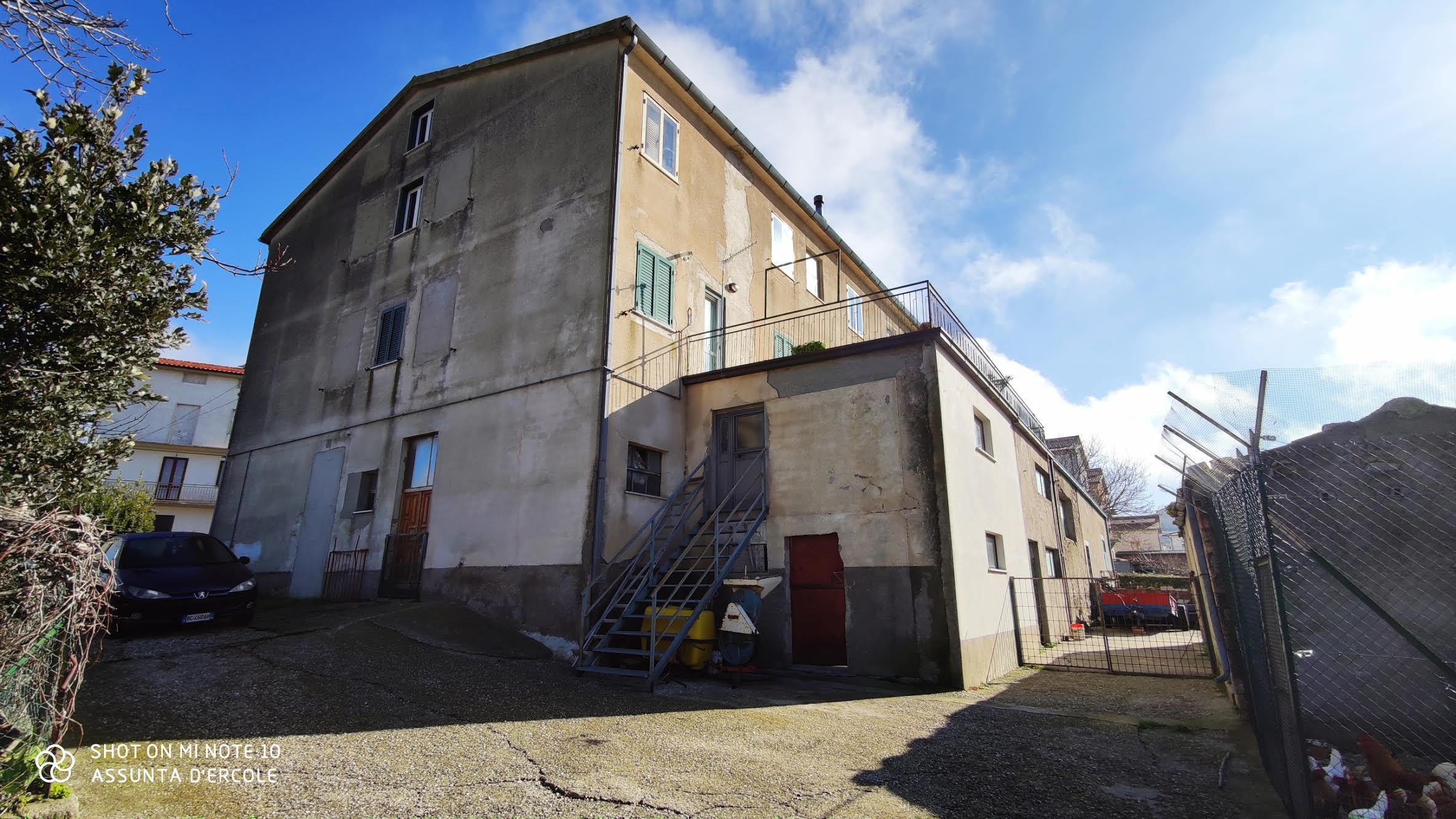 rif 1240 Celenza sul Trigno – Terratetto con giardino e garage – € 90.000