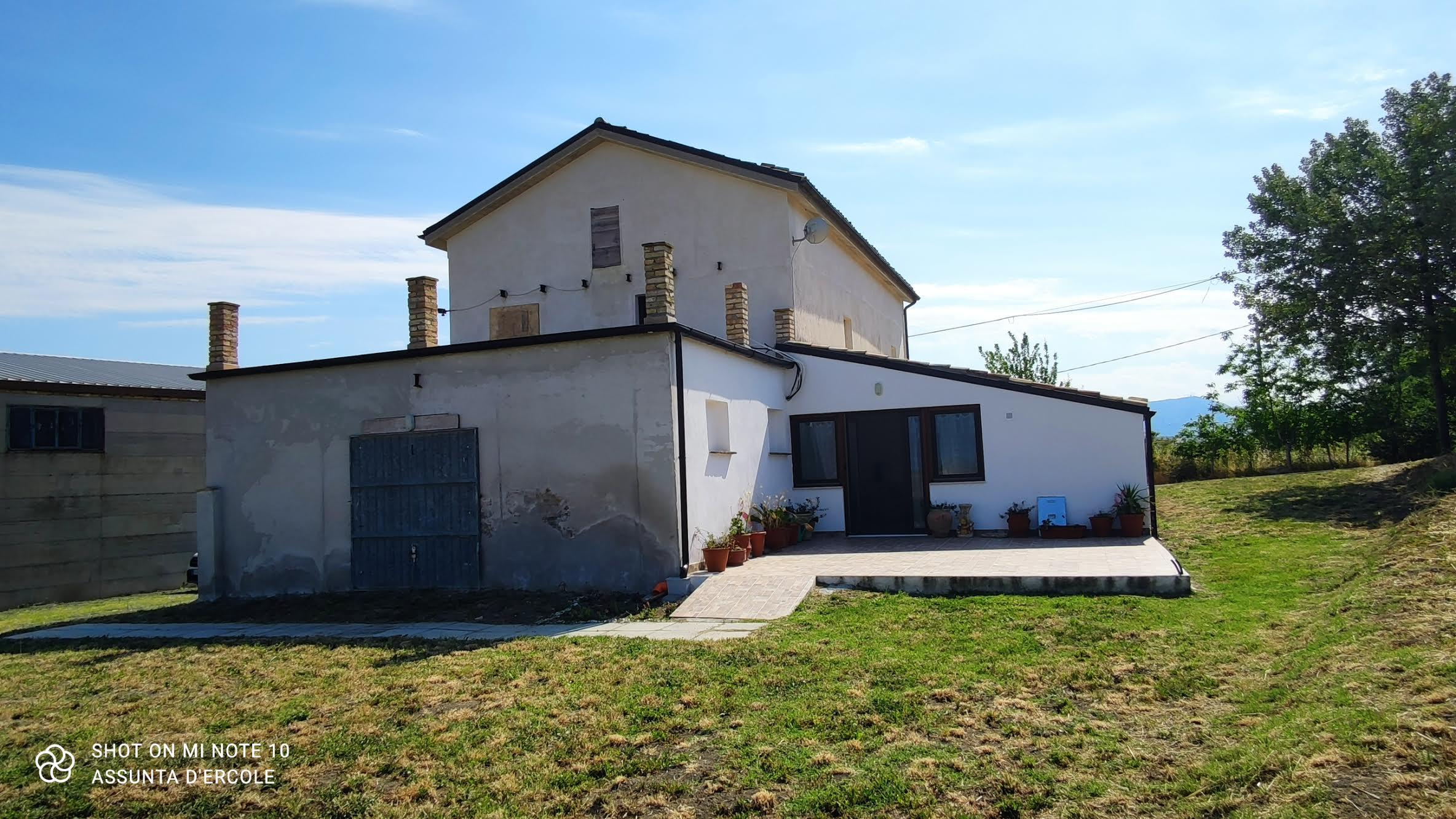 rif 1233 Casalanguida (CH) – Casolare con terrazzo panoramico – € 145000