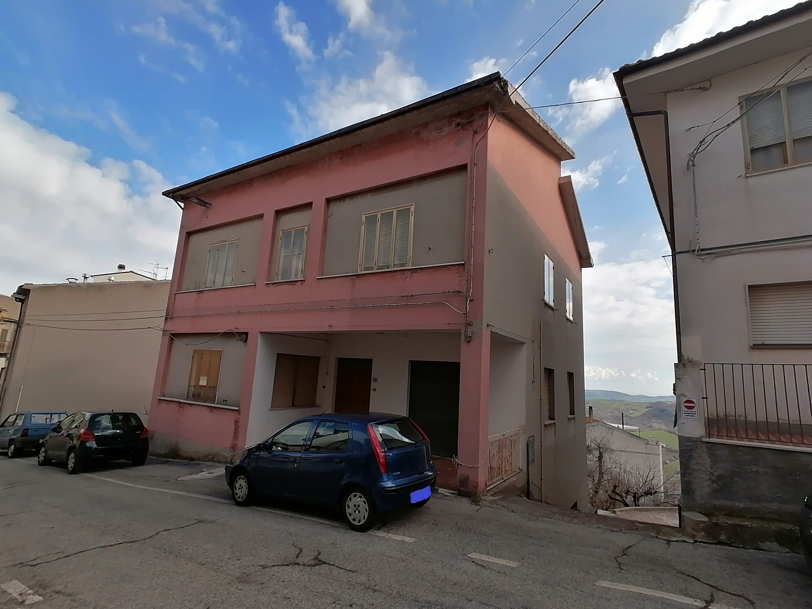 rif 1235 Gissi (CH) Abitazione con locale commerciale ed area esterna – € 130000