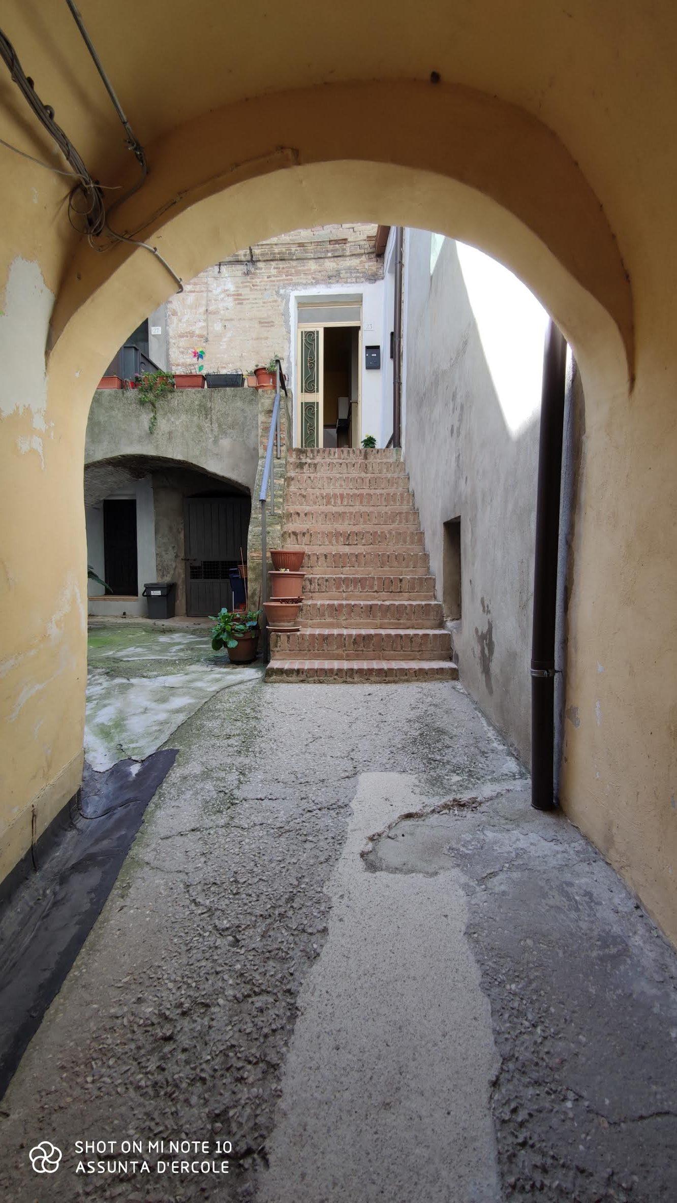 rif 1253 Monteodorisio (CH) – Abitazione in centro con garage e vista mare – € 55000