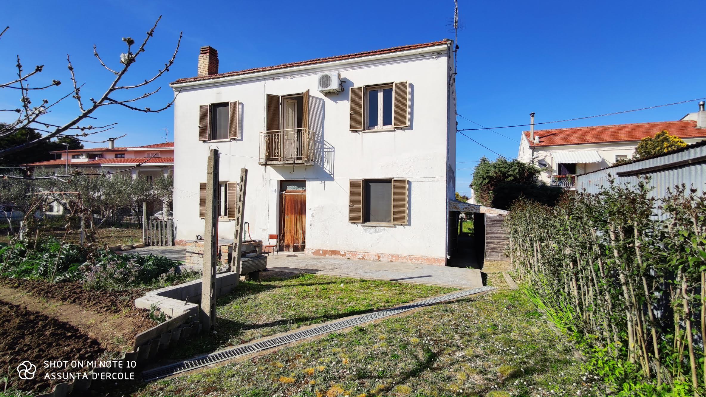 Rif 1249 Scerni (CH) – Casolare e terreno €120000