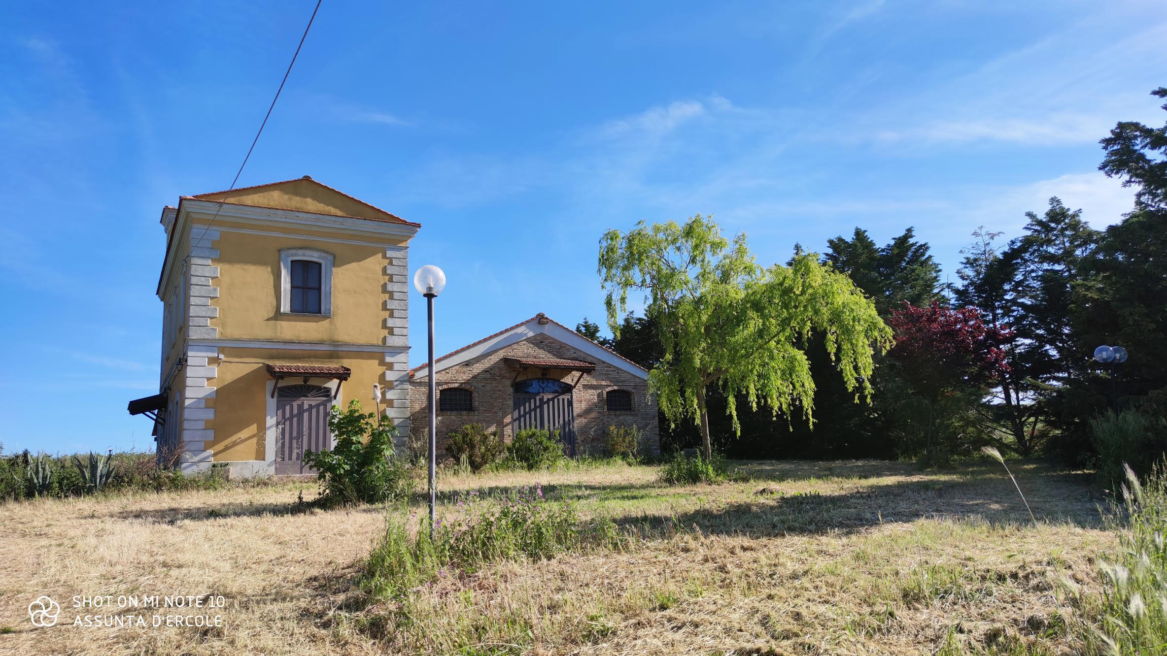Rif 1274 – Chieuti – Masseria gentilizia vista mare- € 340000