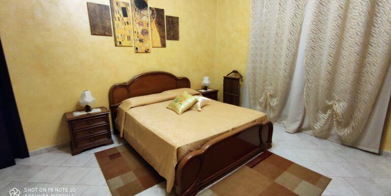 Camera doppia con bagno privato (9)
